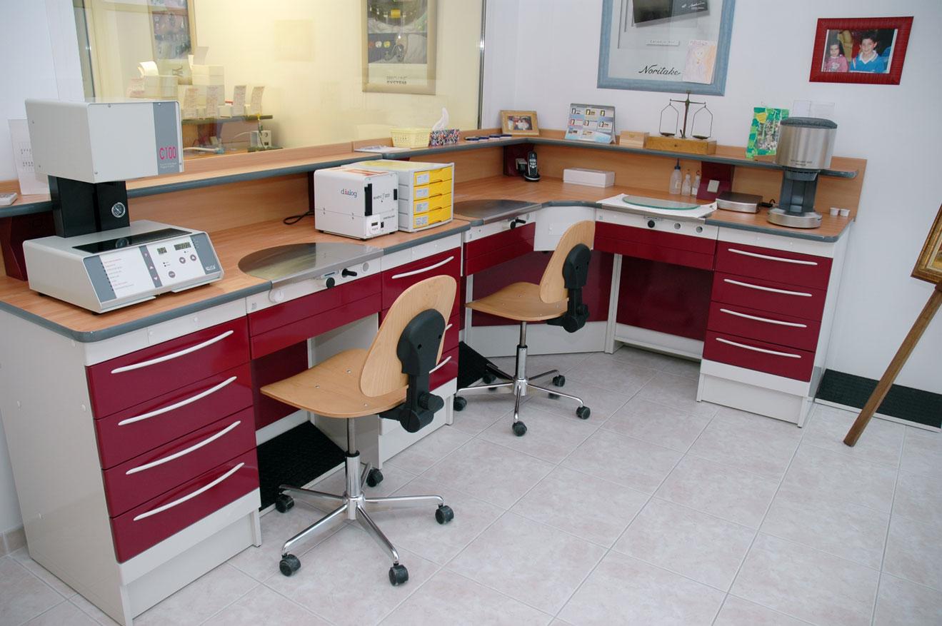 Mesa de trabajo Elite burdeos para protésicos dentales - Jeb Proclilab